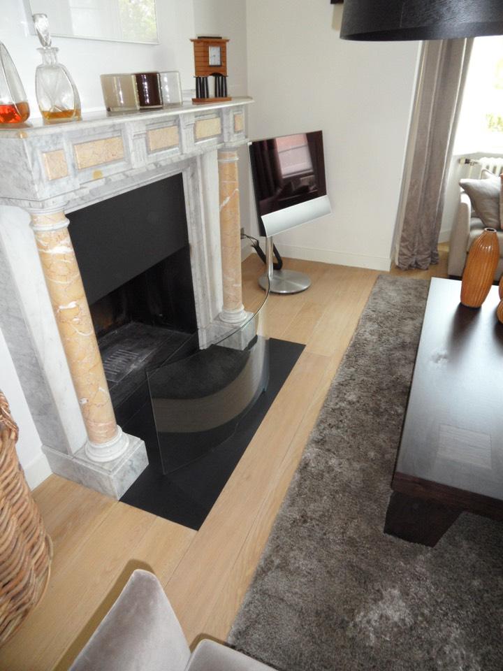 houten vloer afgewerkt met vernis